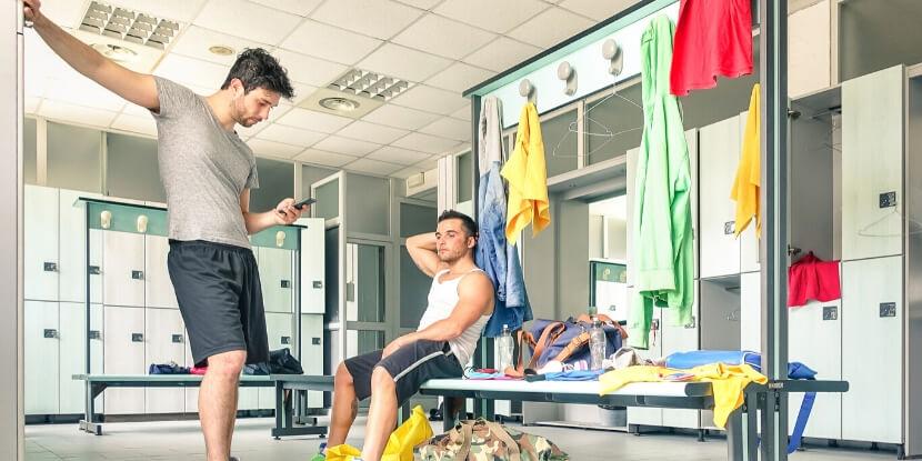 Парни-в-спортзале-зависимость-от-спорта-и-фитнеса