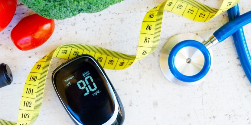 Правильное-питание-глюкометр-сантиметр-контроль-диабета