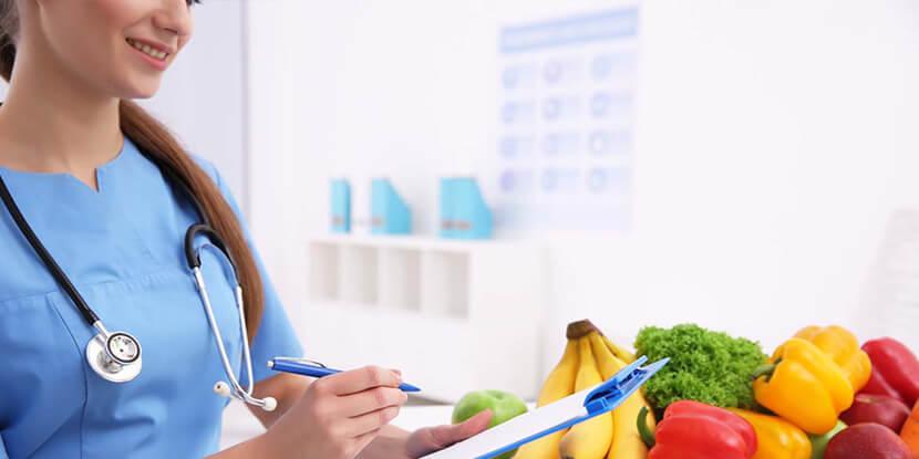 Консультант-диетолог-ведет-клиентов