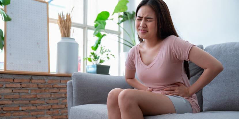 У-девушки-болит-живот-симптомы-гастрита-и-лечебное-питание-Лара-Серебрянская