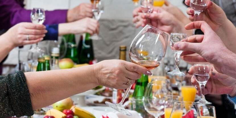 Алкоголь-и-застолье-как-сохранить-фигуру-советы-школы-диетологов-Академии-Wellness-Consulting