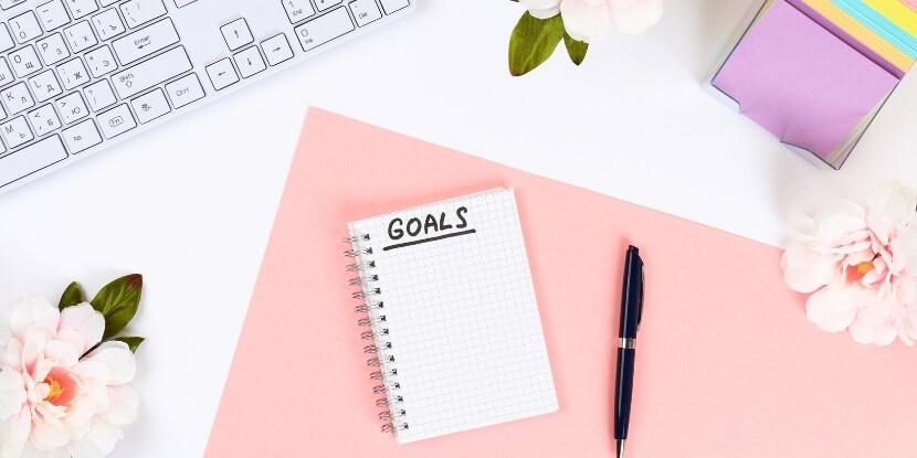 Блокнот-ноутбук-и-запись-целей-как-правильно-ставить-цели-бренд-коучинг-с-Ларой-Серебрянской