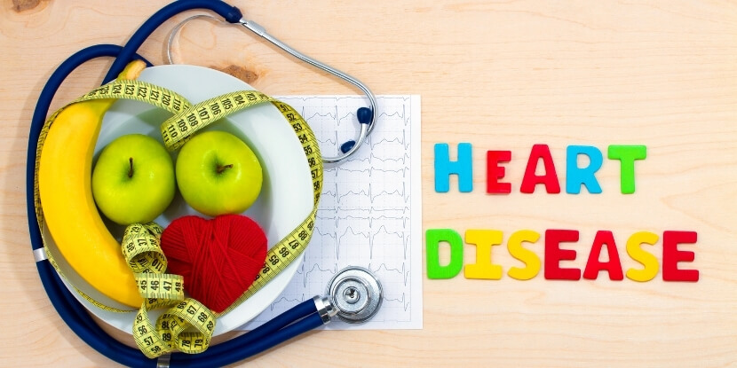 Сердце-стетоскоп-фрукты-лечебное-питание-при-болезнях-сердца-и-сосудов-Академия-Wellness-Consulting